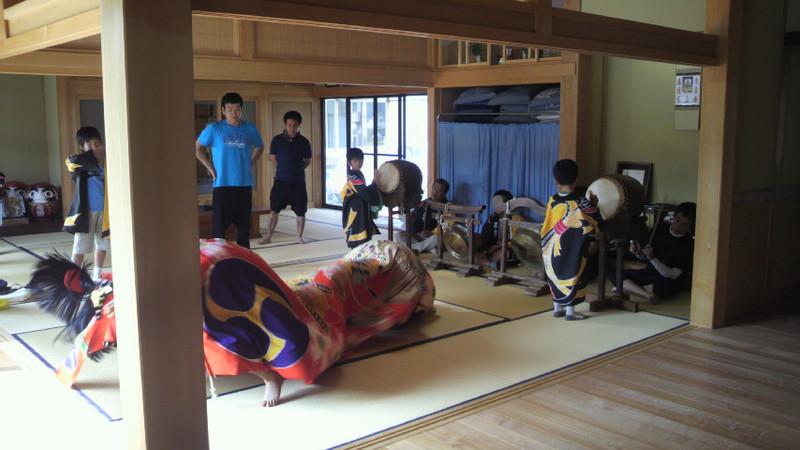 奥谷神社上組獅子連